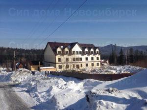 Фото готовой гостиницы из СИП панелей 974 м2 по проекту №18 с отделкой под ключ сайдингом (Новосибирск, Кемерово, Новокузнецк, Алтай, Барнаул)
