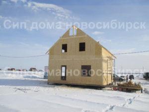 Фото строительства недорогого, быстровозводимого, каркасного, двухэтажного дома из СИП панелей по готовому проекту (Новосибирск, Томск, Барнаул, Алтай, Новокузнецк)