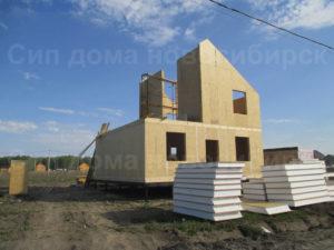 Фото строительства недорогого, быстровозводимого, каркасного дома из СИП панелей по готовому проекту №39, 149 м2 (Новосибирск, Томск, Барнаул, Алтай, Новокузнецк)