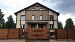 Готовый дом из СИП панелей на две семьи по проекту 34 (181 м2) с внешней отделкой под ключ с имитацией стиля фахверк (Новосибирск)